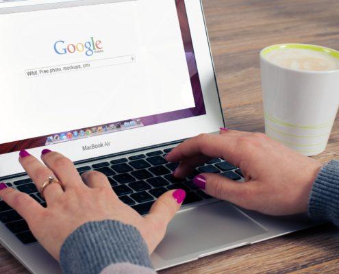 Chaque année Google paie des milliards à Apple pour rester le moteur de recherche par défaut
